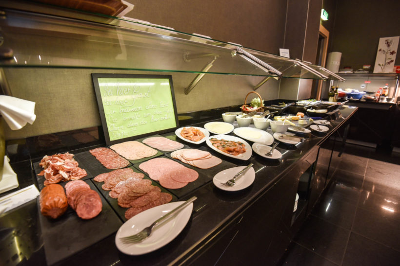 Le Meridien Munich breakfast buffet